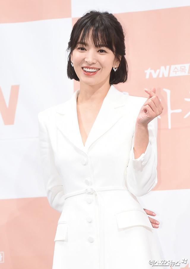 Song Hye Kyo khoe nhan sắc đỉnh cao bên mỹ nam Park Bo Gum - Ảnh 4.
