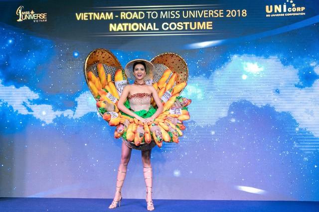 Cận cảnh HHen Niê diện trang phục bánh mì tới Miss Universe - Ảnh 5.