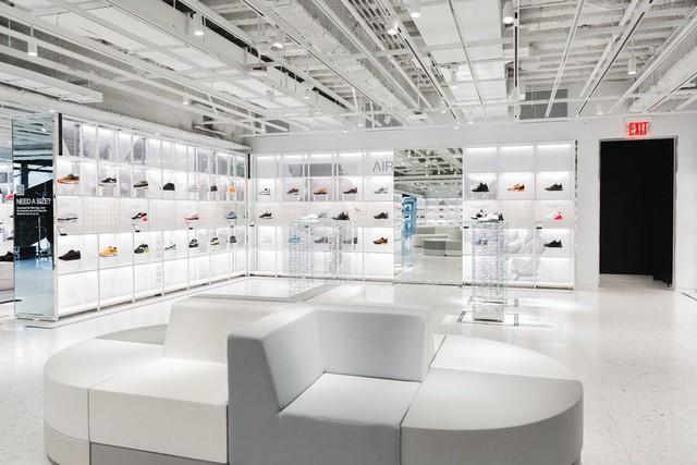 Choáng ngợp với bộ sưu tập giày Nike bán chạy nhất mọi thời đại - Ảnh 4.