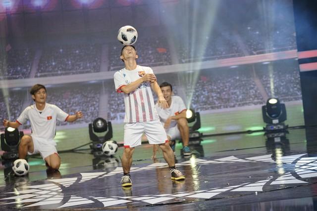 Thí sinh 100 giây rực rỡ tái hiện giây phút lịch sử của U23 Việt Nam - Ảnh 2.