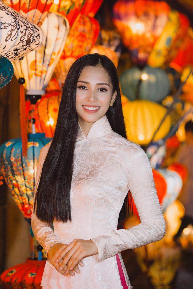 Hoa hậu Tiểu Vy mang hình ảnh Hội An đến Miss World 2018 - Ảnh 10.