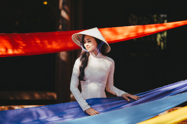 Hoa hậu Tiểu Vy mang hình ảnh Hội An đến Miss World 2018 - Ảnh 6.