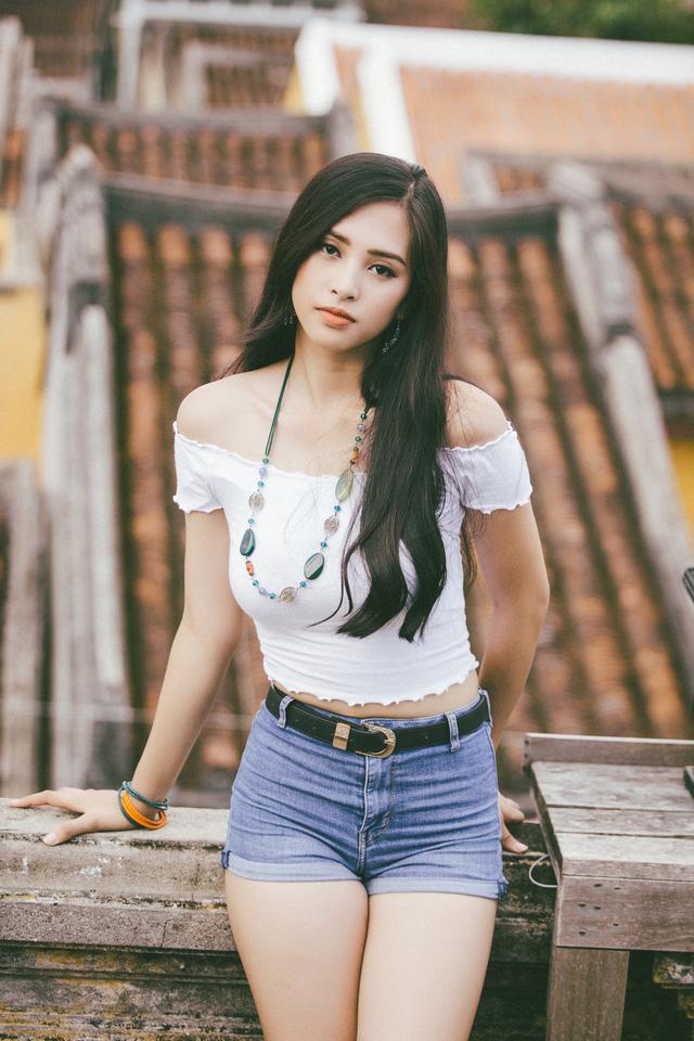 Hoa hậu Tiểu Vy mang hình ảnh Hội An đến Miss World 2018 - Ảnh 4.