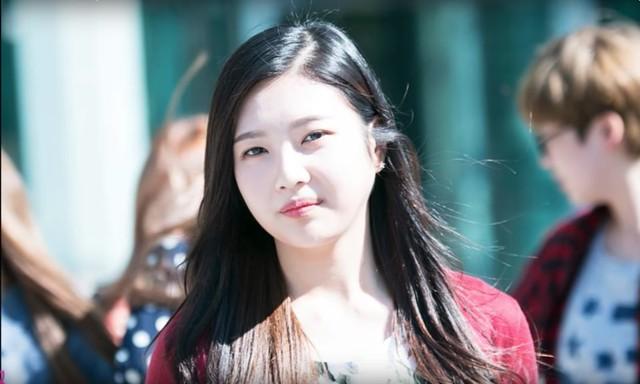 Dù trang điểm hay không, các thành viên Red Velvet vẫn vô cùng xinh đẹp - Ảnh 4.