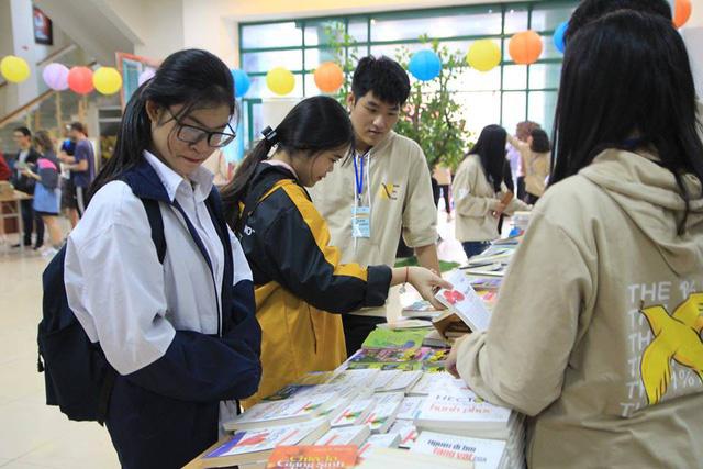 Mọt 2018: Hàng nghìn người tới trao đổi 3.000 đầu sách tại Hà Nội - Ảnh 6.