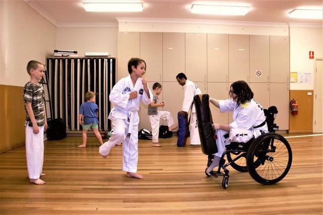 Lớp học võ Taekwondo dành cho trẻ khuyết tật - Ảnh 1.