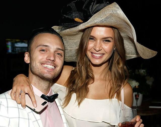 Josephine Skriver - Thiên thần của Victorias Secret đính hôn - Ảnh 1.