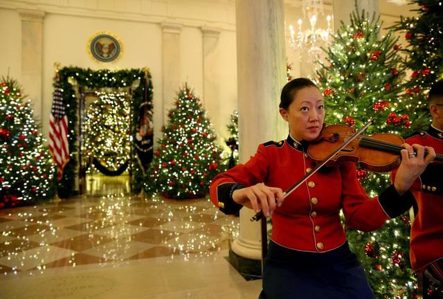 Khung cảnh Giáng sinh ở Nhà Trắng năm nay sẽ thế nào? - Ảnh 1.