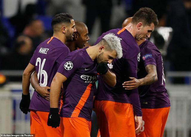 Kết quả Champions League rạng sáng 28/11: Juventus và Man Utd thắng tối thiểu, Real đánh bại Roma trên sân khách - Ảnh 1.
