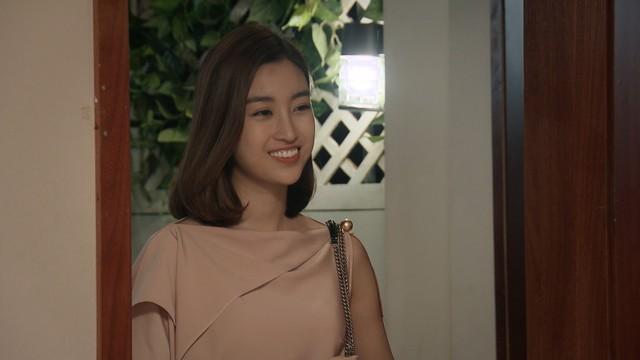 Mẹ ơi, bố đâu rồi? - Tập 14: Ly (Quỳnh Kool) phấn khích quá đà khi gặp Hoa hậu Đỗ Mỹ Linh - Ảnh 10.