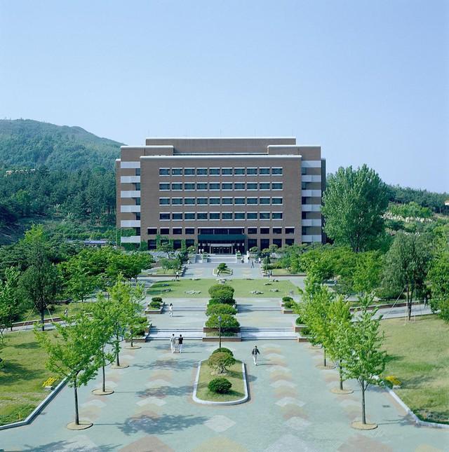 Chiêm ngưỡng ngôi trường xuất hiện trong hơn 100 bộ phim Hàn Quốc - Ảnh 12.
