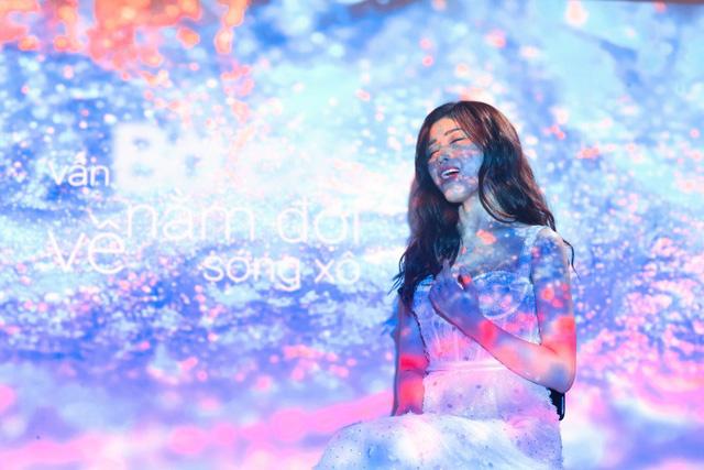 Cô gái triệu view Ngọc Ánh cover hit Những kẻ mộng mơ của Noo Phước Thịnh - Ảnh 1.