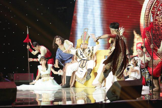 Hồ Hoài Anh khiến người xem bật cười khi đưa ca khúc Như lời đồn của Chi Pu tới Giọng hát Việt nhí - Ảnh 4.