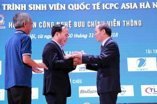 Đại học Bách khoa Hà Nội thắng lớn tại Olympic tin học sinh viên và ICPC châu Á 2018 - Ảnh 15.