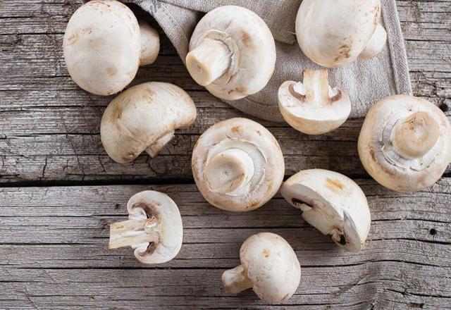 9 phần thực phẩm thường bỏ đi nhưng có tác dụng tốt cho sức khỏe - Ảnh 2.