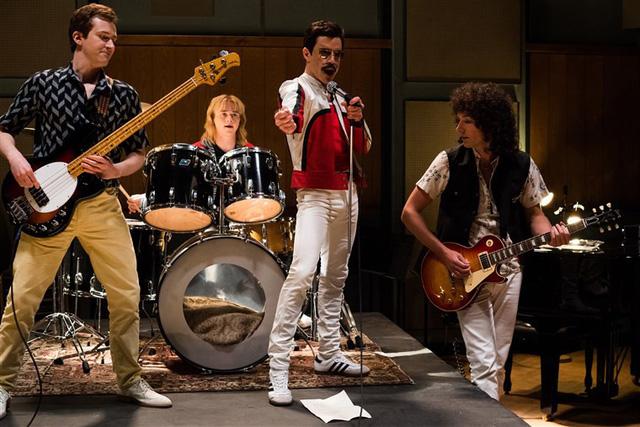 """Bị giới phê bình chỉ trích, vì sao """"Bohemian Rhapsody"""" vẫn lên ngôi phòng vé? - Ảnh 1."""
