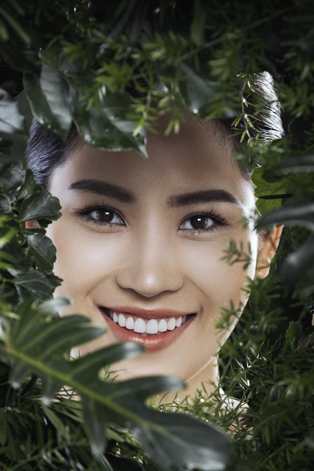 50 sắc thái biểu cảm ánh mắt của top 12 The Face Vietnam 2018 - Ảnh 1.
