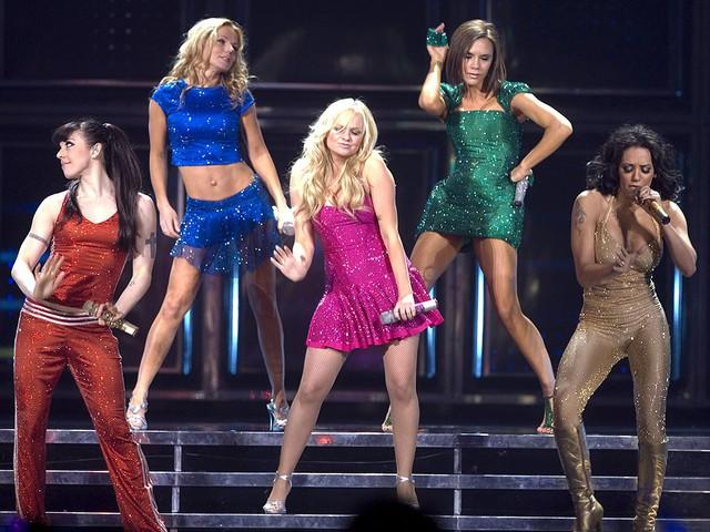 Không có Victoria Beckham, Spice Girls vẫn tái hợp chuẩn bị lưu diễn - Ảnh 2.