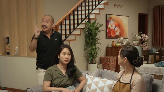 Mẹ ơi, bố đâu rồi? - Tập 2: Hot girl Ly (Quỳnh Kool) tiêu tiền như nước, thản nhiên nghĩ không phải kiếm tiền - Ảnh 2.