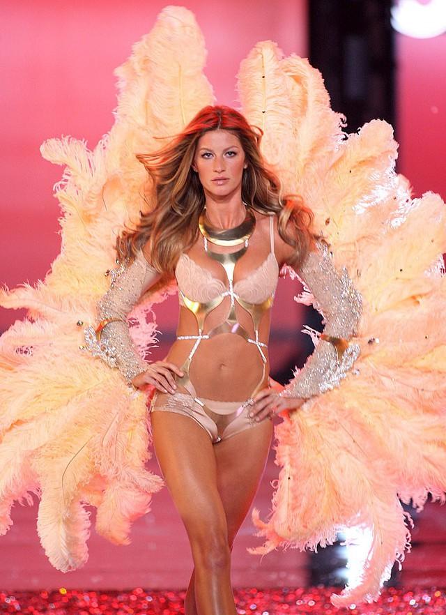 Đứng trên đỉnh cao danh vọng, vì sao người mẫu Gisele Bundchen từ bỏ Victoria's Secret? - Ảnh 1.