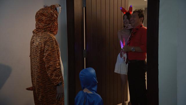 Mẹ ơi, bố đâu rồi? - Tập 4: Ăn mặc thiếu vải, Ly (Quỳnh Kool) bị bố mẹ cấm túc ở nhà - ảnh 8