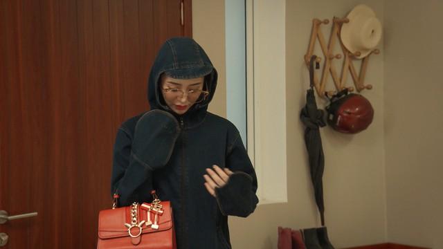 Mẹ ơi, bố đâu rồi? - Tập 4: Ăn mặc thiếu vải, Ly (Quỳnh Kool) bị bố mẹ cấm túc ở nhà - ảnh 16
