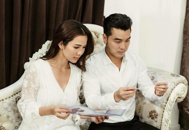 Cận cảnh tấm thiệp cưới độc nhất vô nhị của ca sĩ Ưng Hoàng Phúc và bà xã Kim Cương - Ảnh 5.