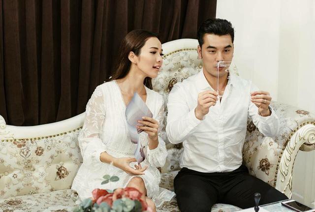 Cận cảnh tấm thiệp cưới độc nhất vô nhị của ca sĩ Ưng Hoàng Phúc và bà xã Kim Cương - Ảnh 6.