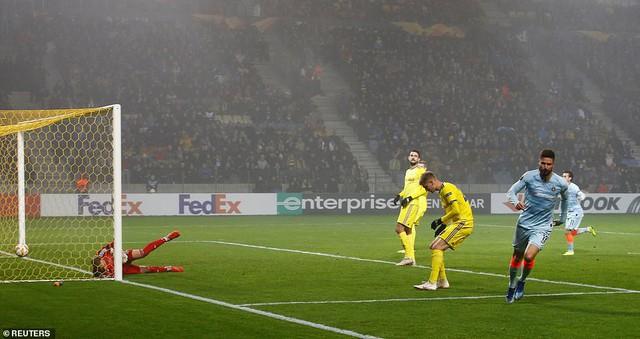 Kết quả Europa League rạng sáng 9/11: Chelsea thắng nhọc nhằn, Arsenal hòa thất vọng - Ảnh 1.
