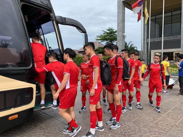 AFF Cup 2018: ĐT Việt Nam tiếp tục tập nhẹ sau chiến thắng trước ĐT Lào - Ảnh 3.