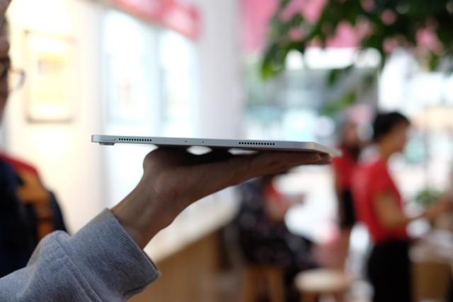 Trên tay siêu phẩm iPad Pro mới của Apple - Ảnh 3.