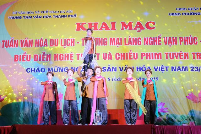 Khai mạc Tuần lễ văn hóa du lịch - thương mại làng nghề Vạn Phúc - Hà Đông 2018 - Ảnh 7.