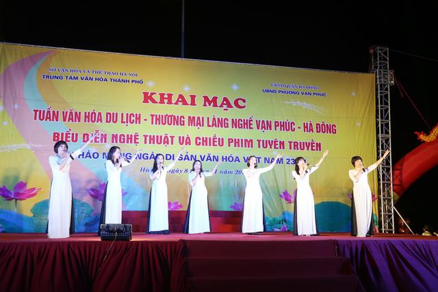 Khai mạc Tuần lễ văn hóa du lịch - thương mại làng nghề Vạn Phúc - Hà Đông 2018 - Ảnh 8.