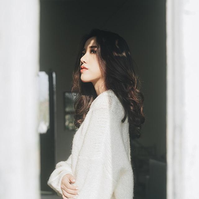 Ca sĩ Phùng Khánh Linh tiếp tục khẳng định khả năng sáng tác trong dự án âm nhạc mới - Ảnh 2.