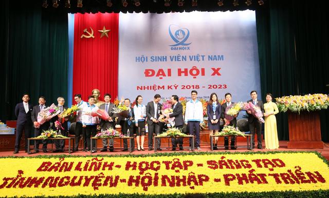 Bộ trưởng Phùng Xuân Nhạ trả lời hàng loạt vấn đề nóng với sinh viên - Ảnh 3.