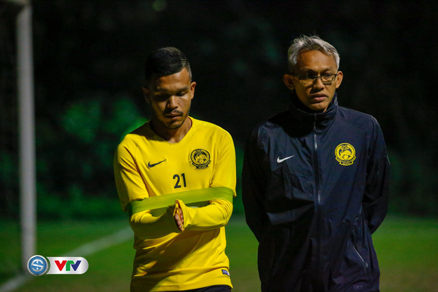 ẢNH: ĐT Malaysia tập dưới trời rét chuẩn bị cho chung kết lượt về AFF Cup - Ảnh 10.