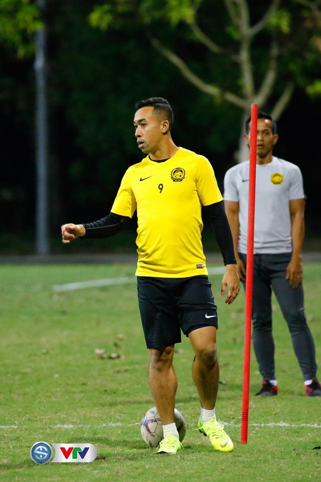 ẢNH: ĐT Malaysia tập dưới trời rét chuẩn bị cho chung kết lượt về AFF Cup - Ảnh 7.