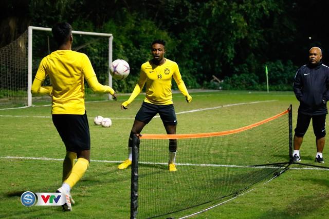 ẢNH: ĐT Malaysia tập dưới trời rét chuẩn bị cho chung kết lượt về AFF Cup - Ảnh 9.