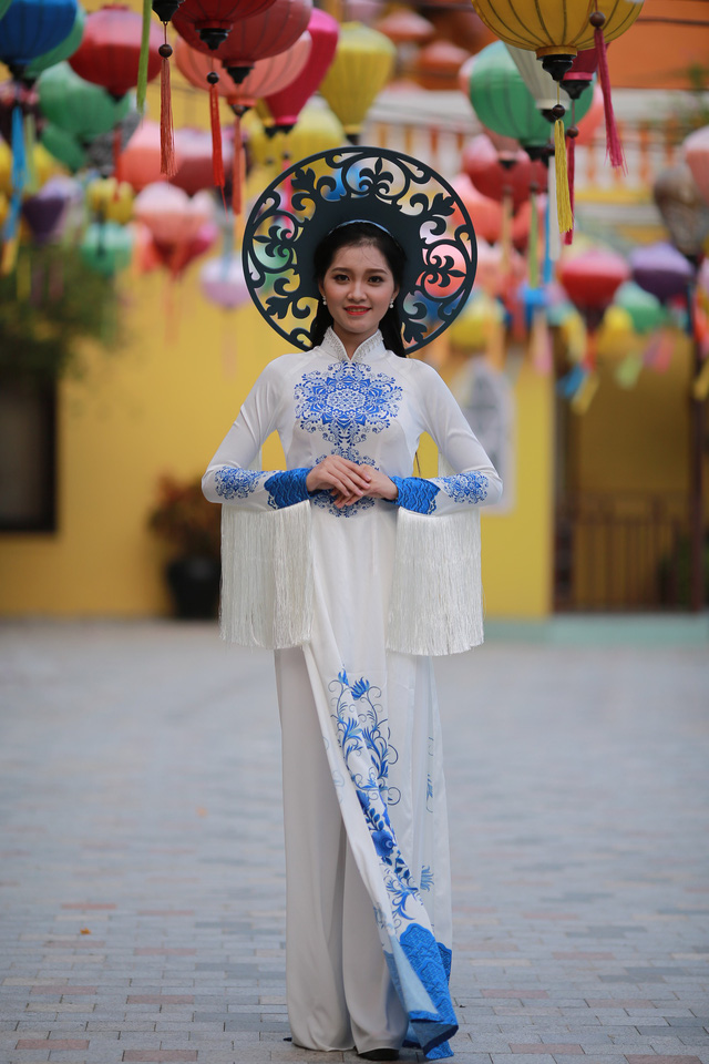 Ngắm dàn thí sinh Hoa khôi Sinh viên dịu dàng giữa phố cổ Hội An - Ảnh 6.