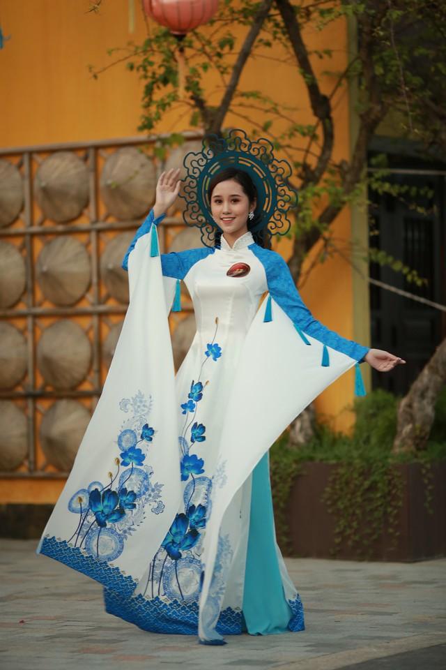 Ngắm dàn thí sinh Hoa khôi Sinh viên dịu dàng giữa phố cổ Hội An - Ảnh 8.