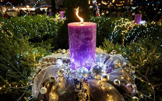 Chợ Giáng sinh lung linh kỳ ảo khiến du khách mê mẩn lạc lối - Ảnh 2.