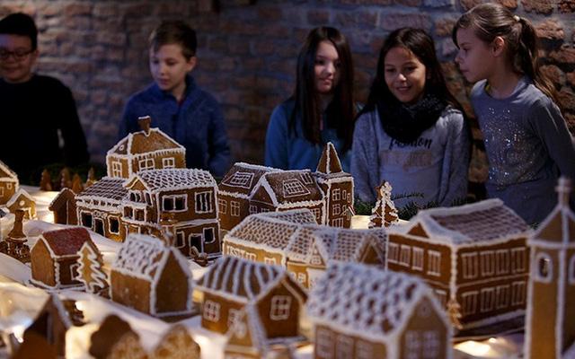 Chợ Giáng sinh lung linh kỳ ảo khiến du khách mê mẩn lạc lối - Ảnh 12.