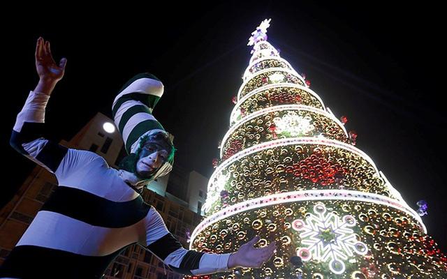 Chợ Giáng sinh lung linh kỳ ảo khiến du khách mê mẩn lạc lối - Ảnh 13.