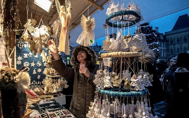 Chợ Giáng sinh lung linh kỳ ảo khiến du khách mê mẩn lạc lối - Ảnh 5.
