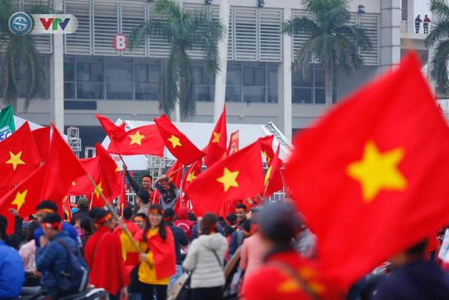 ẢNH: Mỹ Đình mở hội trước trận chung kết lượt về AFF Cup 2018, ĐT Việt Nam - ĐT Malaysia - Ảnh 9.