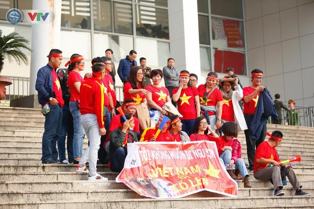ẢNH: Mỹ Đình mở hội trước trận chung kết lượt về AFF Cup 2018, ĐT Việt Nam - ĐT Malaysia - Ảnh 6.