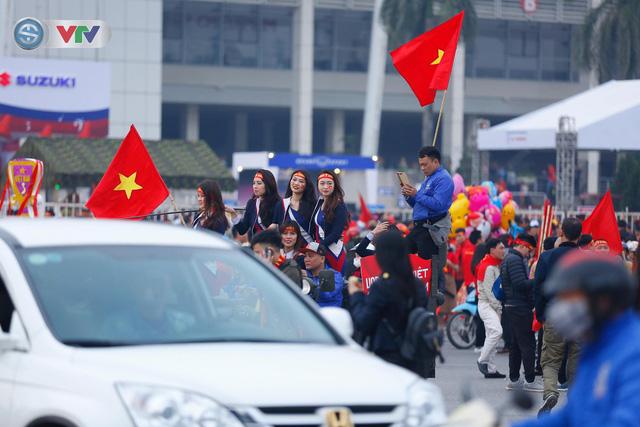 ẢNH: Mỹ Đình mở hội trước trận chung kết lượt về AFF Cup 2018, ĐT Việt Nam - ĐT Malaysia - Ảnh 5.