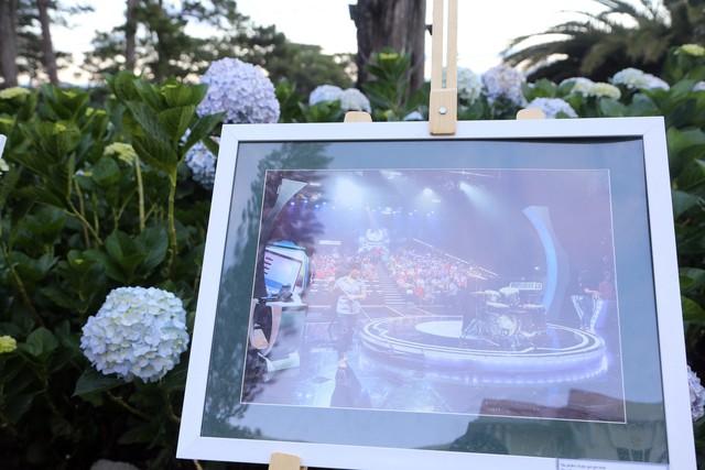Ấn tượng không gian triển lãm ảnh tại Liên hoan Truyền hình toàn quốc lần thứ 38 - Ảnh 1.