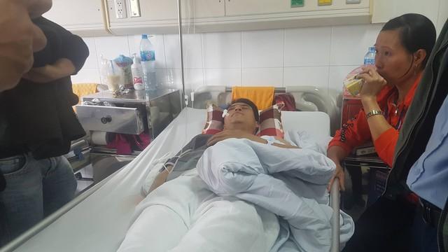 Vụ xe Lexus gây tai nạn liên hoàn ở phố Trích Sài: Nạn nhân bàng hoàng kể giây phút gặp nạn - Ảnh 1.