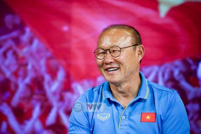HLV Park Hang Seo trải lòng về bóng đá Việt Nam trên báo Hàn Quốc - Ảnh 1.